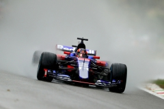 MONZA, ITALY - SEPTEMBER 02: Daniil Kvyat of Russia driving the (26) Scuderia Toro Rosso STR12 on track during qualifying for the Formula One Grand Prix of Italy at Autodromo di Monza on September 2, 2017 in Monza, Italy. (Photo by Clive Rose/Getty Images) // Getty Images / Red Bull Content Pool // P-20170902-28955 // Usage for editorial use only // Please go to www.redbullcontentpool.com for further information. //