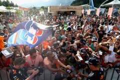 SPIELBERG, AUSTRIA - JULY 08: Max Verstappen of Netherlands and Red Bull Racing signs autographs for fans at the fans autograph signing session after qualifying for the Formula One Grand Prix of Austria at Red Bull Ring on July 8, 2017 in Spielberg, Austria. (Photo by Mark Thompson/Getty Images) // Getty Images / Red Bull Content Pool // P-20170708-03280 // Usage for editorial use only // Please go to www.redbullcontentpool.com for further information. //