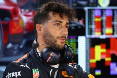 MONTREAL, QC - JUNE 09: Daniel Ricciardo of Australia and Red Bull Racing prepares to drive in the garage during practice for the Canadian Formula One Grand Prix at Circuit Gilles Villeneuve on June 9, 2017 in Montreal, Canada. (Photo by Clive Mason/Getty Images) // Getty Images / Red Bull Content Pool // P-20170610-00009 // Usage for editorial use only // Please go to www.redbullcontentpool.com for further information. //
