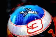 SINGAPORE - SEPTEMBER 15: The helmet of Daniel Ricciardo of Australia and Red Bull Racing in the garage during practice for the Formula One Grand Prix of Singapore at Marina Bay Street Circuit on September 15, 2017 in Singapore. (Photo by Mark Thompson/Getty Images) // Getty Images / Red Bull Content Pool // P-20170915-00536 // Usage for editorial use only // Please go to www.redbullcontentpool.com for further information. //