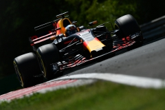 BUDAPEST, HUNGARY - JULY 28: Daniel Ricciardo of Australia driving the (3) Red Bull Racing Red Bull-TAG Heuer RB13 TAG Heuer on track during practice for the Formula One Grand Prix of Hungary at Hungaroring on July 28, 2017 in Budapest, Hungary. (Photo by Dan Mullan/Getty Images) // Getty Images / Red Bull Content Pool // P-20170728-01997 // Usage for editorial use only // Please go to www.redbullcontentpool.com for further information. //