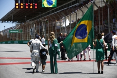 Interlagos, Sao Paulo, Brazil.Sunday 12 November 2017.Felipe Massa, Williams Martini Racing, on the grid with his son.Photo: Andrew Hone/Williamsref: Digital Image _ONY8927