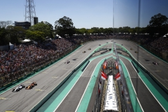 Interlagos, Sao Paulo, Brazil.Sunday 12 November 2017.Felipe Massa, Williams FW40 Mercedes, battles with Fernando Alonso, McLaren MCL32 Honda.Photo: Steven Tee/Williamsref: Digital Image _O3I0689
