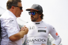Autodromo Hermanos Rodriguez, Mexico City, Mexico.Sunday 29 October 2017.Zak Brown, Executive Director, McLaren Technology Group, with Fernando Alonso, McLaren.Photo: Steven Tee/McLarenref: Digital Image _R3I5597