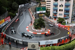 MONTE-CARLO, MONACO - MAY 29: The safety car leads Daniel Ricciardo of Australia driving the (3) Red Bull Racing Red Bull-TAG Heuer RB12 TAG Heuer, Nico Rosberg of Germany driving the (6) Mercedes AMG Petronas F1 Team Mercedes F1 WO7 Mercedes PU106C Hybrid turbo, Lewis Hamilton of Great Britain driving the (44) Mercedes AMG Petronas F1 Team Mercedes F1 WO7 Mercedes PU106C Hybrid turbo, and the rest of the field at the start during the Monaco Formula One Grand Prix at Circuit de Monaco on May 29, 2016 in Monte-Carlo, Monaco. (Photo by Lars Baron/Getty Images) // Getty Images / Red Bull Content Pool // P-20160529-02255 // Usage for editorial use only // Please go to www.redbullcontentpool.com for further information. //