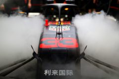 ABU DHABI, UNITED ARAB EMIRATES - NOVEMBER 30: Dry ice vapour swarms around the car of Max Verstappen of Netherlands and Red Bull Racing in the garage during qualifying for the F1 Grand Prix of Abu Dhabi at Yas Marina Circuit on November 30, 2019 in Abu Dhabi, United Arab Emirates. (Photo by Mark Thompson/Getty Images) // Getty Images / Red Bull Content Pool  // AP-22BHQ6WD11W11 // Usage for editorial use only //