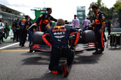 MONZA, ITALY - SEPTEMBER 08: The Red Bull Racing team work on the grid before the F1 Grand Prix of Italy at Autodromo di Monza on September 08, 2019 in Monza, Italy. (Photo by Mark Thompson/Getty Images) // Getty Images / Red Bull Content Pool  // AP-21GUSWKJD1W11 // Usage for editorial use only //