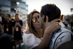 Yas Marina Circuit, Abu Dhabi, United Arab Emirates.Sunday 26 November 2017.Felipe Massa, Williams Martini Racing, gets a kiss from his wife Anna prior to the start of his final race in F1.Photo: Glenn Dunbar/Williamsref: Digital Image _X4I9157