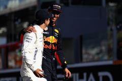 ABU DHABI, UNITED ARAB EMIRATES - NOVEMBER 26: Daniel Ricciardo of Australia and Red Bull Racing hugs Felipe Massa of Brazil and Williams on the drivers parade before the Abu Dhabi Formula One Grand Prix at Yas Marina Circuit on November 26, 2017 in Abu Dhabi, United Arab Emirates. (Photo by Dan Istitene/Getty Images) // Getty Images / Red Bull Content Pool // P-20171126-00242 // Usage for editorial use only // Please go to www.redbullcontentpool.com for further information. //