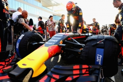 ABU DHABI, UNITED ARAB EMIRATES - NOVEMBER 26: Max Verstappen of Netherlands and Red Bull Racing prepares to drive on the grid before the Abu Dhabi Formula One Grand Prix at Yas Marina Circuit on November 26, 2017 in Abu Dhabi, United Arab Emirates. (Photo by Mark Thompson/Getty Images) // Getty Images / Red Bull Content Pool // P-20171126-00458 // Usage for editorial use only // Please go to www.redbullcontentpool.com for further information. //