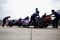 AUSTIN, TX - OCTOBER 20: Brendon Hartley of New Zealand driving the (28) Scuderia Toro Rosso STR13 Honda is pushed back into his garage during qualifying for the United States Formula One Grand Prix at Circuit of The Americas on October 20, 2018 in Austin, United States.  (Photo by Peter Fox/Getty Images) // Getty Images / Red Bull Content Pool  // AP-1X8XQC3PS1W11 // Usage for editorial use only // Please go to www.redbullcontentpool.com for further information. //