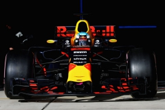 AUSTIN, TX - OCTOBER 21: Daniel Ricciardo of Australia driving the (3) Red Bull Racing Red Bull-TAG Heuer RB13 TAG Heuer leaves the garage during qualifying for the United States Formula One Grand Prix at Circuit of The Americas on October 21, 2017 in Austin, Texas. (Photo by Mark Thompson/Getty Images) // Getty Images / Red Bull Content Pool // P-20171022-00186 // Usage for editorial use only // Please go to www.redbullcontentpool.com for further information. //