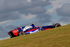 AUSTIN, TX - OCTOBER 21: Daniil Kvyat of Russia driving the (26) Scuderia Toro Rosso STR12 on track during qualifying for the United States Formula One Grand Prix at Circuit of The Americas on October 21, 2017 in Austin, Texas. (Photo by Clive Rose/Getty Images) // Getty Images / Red Bull Content Pool // P-20171022-00132 // Usage for editorial use only // Please go to www.redbullcontentpool.com for further information. //