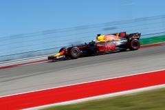 AUSTIN, TX - OCTOBER 22: Daniel Ricciardo of Australia driving the (3) Red Bull Racing Red Bull-TAG Heuer RB13 TAG Heuer on track during the United States Formula One Grand Prix at Circuit of The Americas on October 22, 2017 in Austin, Texas. (Photo by Clive Rose/Getty Images) // Getty Images / Red Bull Content Pool // P-20171022-01808 // Usage for editorial use only // Please go to www.redbullcontentpool.com for further information. //