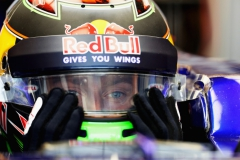 AUSTIN, TX - OCTOBER 20: Brendon Hartley of New Zealand and Scuderia Toro Rosso prepares to drive in the garage during practice for the United States Formula One Grand Prix at Circuit of The Americas on October 20, 2017 in Austin, Texas. (Photo by Mark Thompson/Getty Images) // Getty Images / Red Bull Content Pool // P-20171020-00972 // Usage for editorial use only // Please go to www.redbullcontentpool.com for further information. //