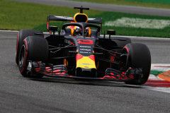 MONZA, ITALY - SEPTEMBER 01: Daniel Ricciardo of Australia driving the (3) Aston Martin Red Bull Racing RB14 TAG Heuer on track during final practice for the Formula One Grand Prix of Italy at Autodromo di Monza on September 1, 2018 in Monza, Italy.  (Photo by Charles Coates/Getty Images) // Getty Images / Red Bull Content Pool  // AP-1WS1HR9292511 // Usage for editorial use only // Please go to www.redbullcontentpool.com for further information. //