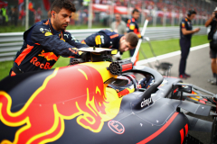 MONZA, ITALY - SEPTEMBER 02:  The Red Bull Racing team work on the grid before the Formula One Grand Prix of Italy at Autodromo di Monza on September 2, 2018 in Monza, Italy.  (Photo by Mark Thompson/Getty Images) // Getty Images / Red Bull Content Pool  // AP-1WSETZGKN2511 // Usage for editorial use only // Please go to www.redbullcontentpool.com for further information. //