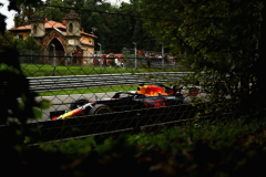 MONZA, ITALY - AUGUST 31: Daniel Ricciardo of Australia driving the (3) Aston Martin Red Bull Racing RB14 TAG Heuer on track during practice for the Formula One Grand Prix of Italy at Autodromo di Monza on August 31, 2018 in Monza, Italy.  (Photo by Dan Istitene/Getty Images) // Getty Images / Red Bull Content Pool  // AP-1WRRBUU1D1W11 // Usage for editorial use only // Please go to www.redbullcontentpool.com for further information. //
