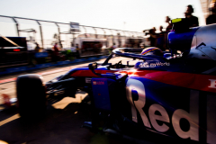 MELBOURNE, AUSTRALIA - MARCH 16: Alex Albon of Scuderia Toro Rosso and Thailand during qualifying for the F1 Grand Prix of Australia  at Melbourne Grand Prix Circuit on March 16, 2019 in Melbourne, Australia. (Photo by Peter Fox/Getty Images) // Getty Images / Red Bull Content Pool  // AP-1YR37EQF12111 // Usage for editorial use only // Please go to www.redbullcontentpool.com for further information. //