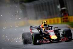 MELBOURNE, AUSTRALIA - MARCH 24: Sparks fly behind Max Verstappen of the Netherlands driving the (33) Aston Martin Red Bull Racing RB14 TAG Heuer on track during final practice for the Australian Formula One Grand Prix at Albert Park on March 24, 2018 in Melbourne, Australia. (Photo by Clive Mason/Getty Images) // Getty Images / Red Bull Content Pool // AP-1V54N1QB11W11 // Usage for editorial use only // Please go to www.redbullcontentpool.com for further information. //