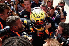 SPIELBERG, AUSTRIA - JULY 01:  Race winner Max Verstappen of Netherlands and Red Bull Racing celebrates in parc ferme during the Formula One Grand Prix of Austria at Red Bull Ring on July 1, 2018 in Spielberg, Austria.  (Photo by Charles Coates/Getty Images) // Getty Images / Red Bull Content Pool  // AP-1W54YCWPH2111 // Usage for editorial use only // Please go to www.redbullcontentpool.com for further information. //