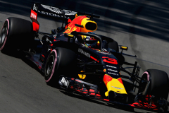 MONTREAL, QC - JUNE 08: Daniel Ricciardo of Australia driving the (3) Aston Martin Red Bull Racing RB14 TAG Heuer on track during practice for the Canadian Formula One Grand Prix at Circuit Gilles Villeneuve on June 8, 2018 in Montreal, Canada.  (Photo by Charles Coates/Getty Images) // Getty Images / Red Bull Content Pool  // AP-1VWTSBZDN1W11 // Usage for editorial use only // Please go to www.redbullcontentpool.com for further information. //