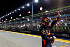 SINGAPORE - SEPTEMBER 15:  Second place qualifier Max Verstappen of Netherlands and Red Bull Racing celebrates in parc ferme during qualifying for the Formula One Grand Prix of Singapore at Marina Bay Street Circuit on September 15, 2018 in Singapore.  (Photo by Getty Images/Getty Images) // Getty Images / Red Bull Content Pool  // AP-1WWKAT7PS2511 // Usage for editorial use only // Please go to www.redbullcontentpool.com for further information. //