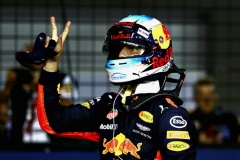 SINGAPORE - SEPTEMBER 16: Daniel Ricciardo of Australia and Red Bull Racing celebrates after qualifying in third place during qualifying for the Formula One Grand Prix of Singapore at Marina Bay Street Circuit on September 16, 2017 in Singapore. (Photo by Lars Baron/Getty Images) // Getty Images / Red Bull Content Pool // P-20170916-00573 // Usage for editorial use only // Please go to www.redbullcontentpool.com for further information. //