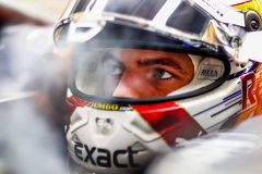 SINGAPORE, SINGAPORE - SEPTEMBER 21: Max Verstappen of Netherlands and Red Bull Racing prepares to drive in the garage during qualifying for the F1 Grand Prix of Singapore at Marina Bay Street Circuit on September 21, 2019 in Singapore. (Photo by Mark Thompson/Getty Images) // Getty Images / Red Bull Content Pool  // AP-21N12W3YN1W11 // Usage for editorial use only //