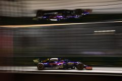 SINGAPORE, SINGAPORE - SEPTEMBER 22: Daniil Kvyat driving the (26) Scuderia Toro Rosso STR14 Honda on track during the F1 Grand Prix of Singapore at Marina Bay Street Circuit on September 22, 2019 in Singapore. (Photo by Clive Mason/Getty Images) // Getty Images / Red Bull Content Pool  // AP-21NB6JYK52111 // Usage for editorial use only //
