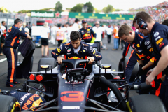BUDAPEST, HUNGARY - JULY 29: Daniel Ricciardo of Australia and Red Bull Racing prepares to drive on the grid before the Formula One Grand Prix of Hungary at Hungaroring on July 29, 2018 in Budapest, Hungary.  (Photo by Mark Thompson/Getty Images) // Getty Images / Red Bull Content Pool  // AP-1WE6T4Z2N2511 // Usage for editorial use only // Please go to www.redbullcontentpool.com for further information. //