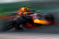 BUDAPEST, HUNGARY - JULY 27: Daniel Ricciardo of Australia driving the (3) Aston Martin Red Bull Racing RB14 TAG Heuer on track during practice for the Formula One Grand Prix of Hungary at Hungaroring on July 27, 2018 in Budapest, Hungary.  (Photo by Mark Thompson/Getty Images) // Getty Images / Red Bull Content Pool  // AP-1WDG4ZYQ51W11 // Usage for editorial use only // Please go to www.redbullcontentpool.com for further information. //