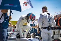 Hungaroring, Budapest, Hungary.Sunday 30 July 2017.Paul di Resta, Williams Martini Racing, exits his car on the grid.Photo: Glenn Dunbar/Williamsref: Digital Image _X4I1398