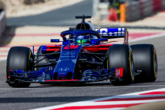 BAHRAIN, BAHRAIN - APRIL 07:  Brendon Hartley of Scuderia Toro Rosso and New Zealand during qualifying for the Bahrain Formula One Grand Prix at Bahrain International Circuit on April 7, 2018 in Bahrain, Bahrain.  (Photo by Peter Fox/Getty Images) // Getty Images / Red Bull Content Pool  // AP-1V9RQT87S1W11 // Usage for editorial use only // Please go to www.redbullcontentpool.com for further information. //