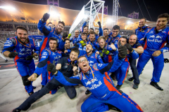 BAHRAIN, BAHRAIN - APRIL 08:  Scuderia Toro Rosso celebrate finishing in 4th position during the Bahrain Formula One Grand Prix at Bahrain International Circuit on April 8, 2018 in Bahrain, Bahrain.  (Photo by Peter Fox/Getty Images) // Getty Images / Red Bull Content Pool  // AP-1VA4TBHAW1W11 // Usage for editorial use only // Please go to www.redbullcontentpool.com for further information. //