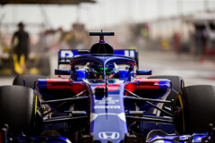 BAHRAIN, BAHRAIN - APRIL 06:  Brendon Hartley of Scuderia Toro Rosso and New Zealand during practice for the Bahrain Formula One Grand Prix at Bahrain International Circuit on April 6, 2018 in Bahrain, Bahrain.  (Photo by Peter Fox/Getty Images) // Getty Images / Red Bull Content Pool  // AP-1V9EBXNB92111 // Usage for editorial use only // Please go to www.redbullcontentpool.com for further information. //