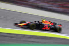SAO PAULO, BRAZIL - NOVEMBER 11: Max Verstappen of the Netherlands driving the (33) Aston Martin Red Bull Racing RB14 TAG Heuer on track during the Formula One Grand Prix of Brazil at Autodromo Jose Carlos Pace on November 11, 2018 in Sao Paulo, Brazil.  (Photo by Clive Mason/Getty Images) // Getty Images / Red Bull Content Pool  // AP-1XG1ABGE92111 // Usage for editorial use only // Please go to www.redbullcontentpool.com for further information. //