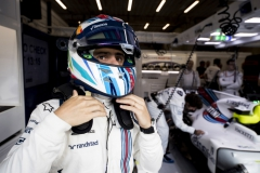 Spa Francorchamps, Belgium.Sunday 27 August 2017.Felipe Massa, Williams Martini Racing, puts on his helmet in the garage,Photo: Glenn Dunbar/Williamsref: Digital Image _X4I7079