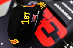 KUALA LUMPUR, MALAYSIA - OCTOBER 01: The winners cap of Max Verstappen of Netherlands and Red Bull Racing on his car in the garage after the Malaysia Formula One Grand Prix at Sepang Circuit on October 1, 2017 in Kuala Lumpur, Malaysia. (Photo by Mark Thompson/Getty Images) // Getty Images / Red Bull Content Pool // P-20171001-01375 // Usage for editorial use only // Please go to www.redbullcontentpool.com for further information. //