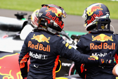 MEXICO CITY, MEXICO - OCTOBER 27: Pole position qualifier Daniel Ricciardo of Australia and Red Bull Racing and second place qualifier Max Verstappen of Netherlands and Red Bull Racing celebrate in parc ferme during qualifying for the Formula One Grand Prix of Mexico at Autodromo Hermanos Rodriguez on October 27, 2018 in Mexico City, Mexico.  (Photo by Mark Thompson/Getty Images) // Getty Images / Red Bull Content Pool  // AP-1XB5YY3RS2111 // Usage for editorial use only // Please go to www.redbullcontentpool.com for further information. //