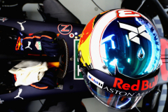 MEXICO CITY, MEXICO - OCTOBER 27: The helmet of Daniel Ricciardo of Australia and Red Bull Racing is seen on his car in the garage during final practice for the Formula One Grand Prix of Mexico at Autodromo Hermanos Rodriguez on October 27, 2018 in Mexico City, Mexico.  (Photo by Mark Thompson/Getty Images) // Getty Images / Red Bull Content Pool  // AP-1XB4UBNW91W11 // Usage for editorial use only // Please go to www.redbullcontentpool.com for further information. //