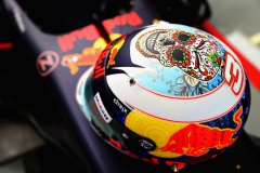 MEXICO CITY, MEXICO - OCTOBER 27: The Mexican helmet of Daniel Ricciardo of Australia and Red Bull Racing in the garage before practice for the Formula One Grand Prix of Mexico at Autodromo Hermanos Rodriguez on October 27, 2017 in Mexico City, Mexico. (Photo by Mark Thompson/Getty Images) // Getty Images / Red Bull Content Pool // P-20171027-01797 // Usage for editorial use only // Please go to www.redbullcontentpool.com for further information. //