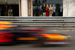 MONTE-CARLO, MONACO - MAY 27: Daniel Ricciardo of Australia driving the (3) Aston Martin Red Bull Racing RB14 TAG Heuer on track during the Monaco Formula One Grand Prix at Circuit de Monaco on May 27, 2018 in Monte-Carlo, Monaco.  (Photo by Dan Istitene/Getty Images) // Getty Images / Red Bull Content Pool  // AP-1VSUW9HS92111 // Usage for editorial use only // Please go to www.redbullcontentpool.com for further information. //