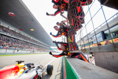 SHANGHAI, CHINA - APRIL 15:  Daniel Ricciardo of Australia and Red Bull Racing wins the Formula One Grand Prix of China at Shanghai International Circuit on April 15, 2018 in Shanghai, China.  (Photo by Peter Fox/Getty Images) // Getty Images / Red Bull Content Pool  // AP-1VC8SXNSD2111 // Usage for editorial use only // Please go to www.redbullcontentpool.com for further information. //
