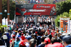 SUZUKA, JAPAN - OCTOBER 07:  A general view as fans walk into the circuit before the Formula One Grand Prix of Japan at Suzuka Circuit on October 7, 2018 in Suzuka.  (Photo by Clive Rose/Getty Images) // Getty Images / Red Bull Content Pool  // AP-1X4HE2DAN2511 // Usage for editorial use only // Please go to www.redbullcontentpool.com for further information. //
