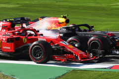 SUZUKA, JAPAN - OCTOBER 07:  Kimi Raikkonen of Finland driving the (7) Scuderia Ferrari SF71H and Max Verstappen of the Netherlands driving the (33) Aston Martin Red Bull Racing RB14 TAG Heuer battle for position on track during the Formula One Grand Prix of Japan at Suzuka Circuit on October 7, 2018 in Suzuka.  (Photo by Clive Rose/Getty Images) // Getty Images / Red Bull Content Pool  // AP-1X4JXK2X12511 // Usage for editorial use only // Please go to www.redbullcontentpool.com for further information. //