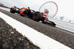 SUZUKA, JAPAN - OCTOBER 05: Daniel Ricciardo of Australia driving the (3) Aston Martin Red Bull Racing RB14 TAG Heuer on track during practice for the Formula One Grand Prix of Japan at Suzuka Circuit on October 5, 2018 in Suzuka.  (Photo by Clive Rose/Getty Images) // Getty Images / Red Bull Content Pool  // AP-1X3VJMV1W2511 // Usage for editorial use only // Please go to www.redbullcontentpool.com for further information. //
