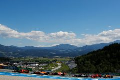 SPIELBERG, AUSTRIA - JULY 05: A general view as Max Verstappen of the Netherlands driving the (33) Aston Martin Red Bull Racing RB16 leads a line of cars during the Formula One Grand Prix of Austria at Red Bull Ring on July 05, 2020 in Spielberg, Austria. (Photo by Leonhard Foeger/Pool via Getty Images) // Getty Images / Red Bull Content Pool  // AP-24HPD15PN2111 // Usage for editorial use only //